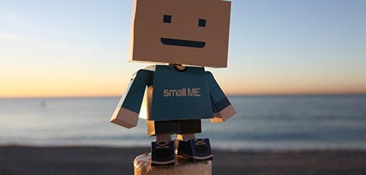 段ボールロボットの写真